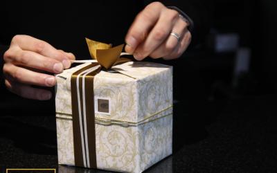 האם מתנה לעובד מותרת כהוצאה לצרכי מס? רואה חשבון בחיפה